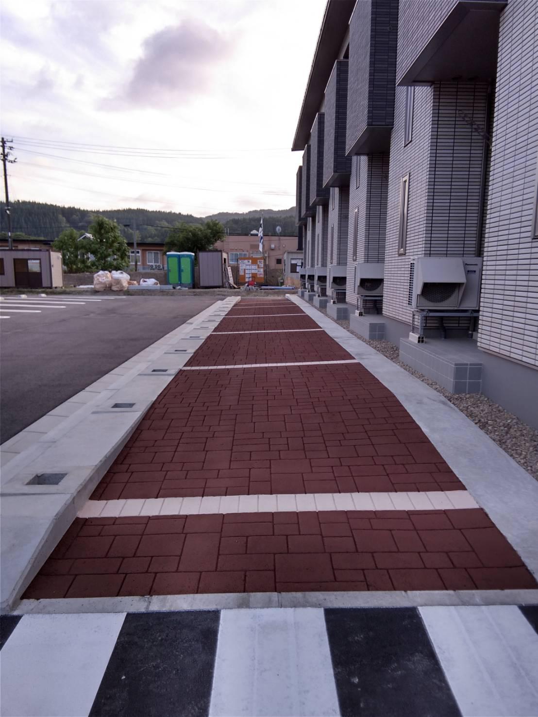 ストリートプリント streetprint アスファルト型押し再加熱工法 型押しアスファルト 景観工法 ストリートボンド streetbond 水性アクリルエポキシ強化樹脂 アシュラースレート スタックドボーダー